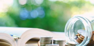 5 Tips for Managing Your Money in College